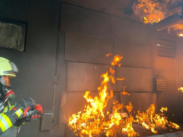 Ausbildung in der Brandsimulationsanlage